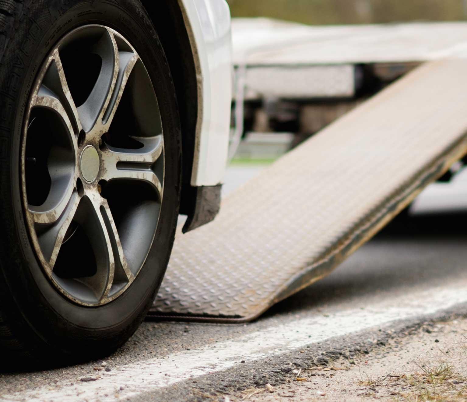 Emergency Roadside Service >> 24 7 Emergency Roadside Assistance American Family Insurance